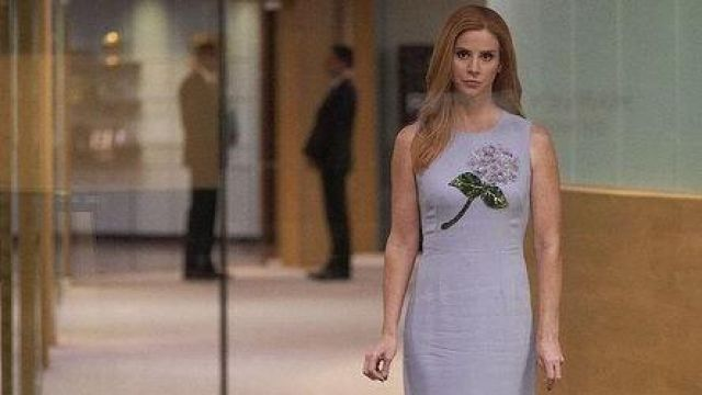 Purple dress Dolce & Gabbana, Donna Paulsen (Sarah Rafferty) seen in Suits : Lawyers-to-Measure Season 8E10 - TV Show Outfits and Products