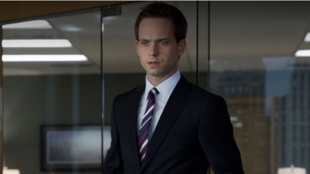 Fashion Trends 2021: Purple striped neck tie outfit seen on Mike Ross (Patrick J. Adams) in Suits S02E15