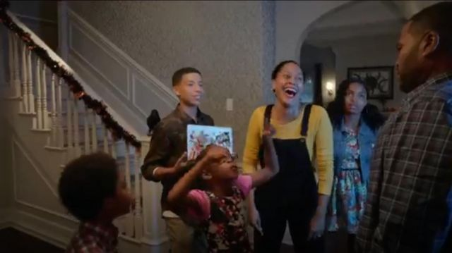 Rag & Bone Jean Racerback Overalls outfit worn by Rainbow Johnson (Tracee Ellis Ross) in black-ish (Season01 Episode06) - TV Show Outfits and Products