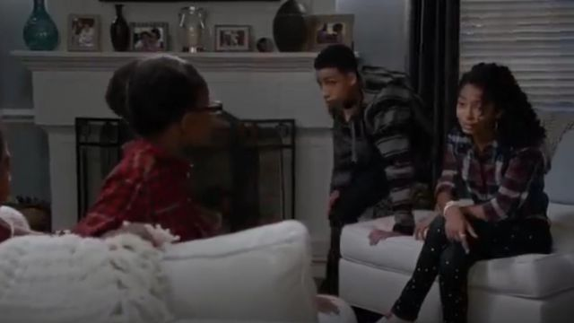 Rag & Bone Jean The Splatter Paint Skinny Jeans outfit worn by Zoey Johnson (Yara Shahidi) in black-ish (Season 01 Episode 09) - TV Show Outfits and Products