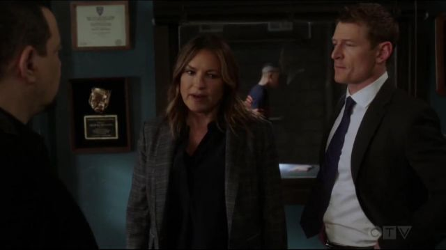 Rag & Bone Lexington Blazer outfit worn by Olivia Benson (Mariska Hargitay) in Law & Order: Special Victims Unit (S20E22) - TV Show Outfits and Products