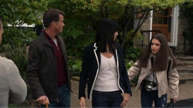 Rag & Bone Uni Contrast Piping Wool Blazer outfit worn by Cassie Nightingale (Catherine Bell) in Good Witch (S05E03) - TV Show Outfits and Products