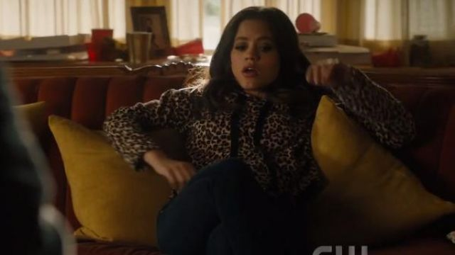 Rag & bone dark blue nina indigo skinny jeans outfit worn by Maggie Vera (Sarah Jeffery) in Charmed Season 2 Episode 1 - TV Show Outfits and Products