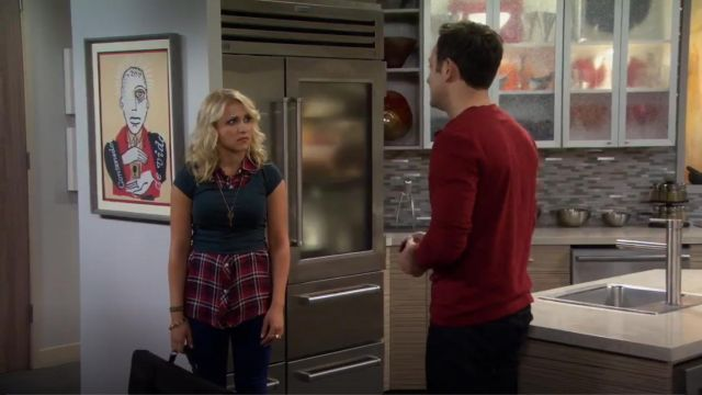 Rails Gavin Sleeveless Plaid Blouse outfit worn by Gabi Diamond (Emily Osment) in Young & Hungry (S01E01) - TV Show Outfits and Products