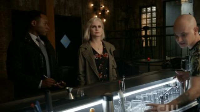 Rebecca Taylor Marguerite Top outfit worn by Olivia Moore (Rose McIver) in iZombie (Season 05 Episode 06) - TV Show Outfits and Products