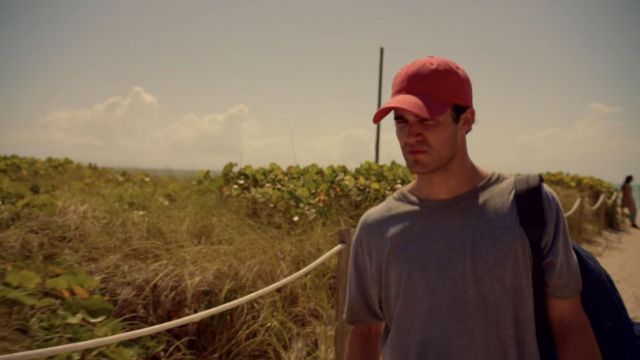 Fashion Trends 2021: Red cap of Andrew Cunanan (Darren Criss) seen in American Crime Story: The Assassination of Gianni Versace Season 2 Episode 1