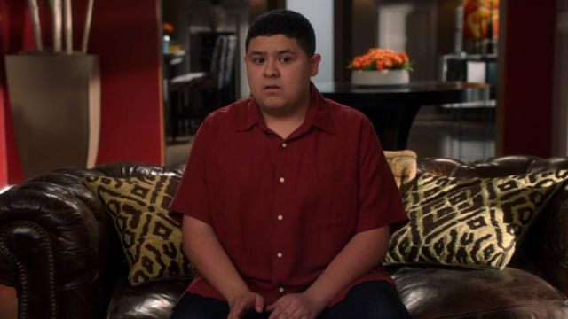 Red shirt, the short sleeves of Manny Delgado (Rico Rodriguez) Modern Family (Season 8E15) - TV Show Outfits and Products