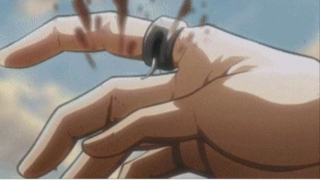 Fashion Trends 2021: Ring of Annie Leonhardt in Attack of The Titans