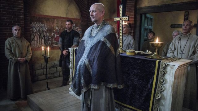 Scarf of a priest Beocca (Ian Hart) seen in The Last Kingdom Season 2 Episode 6 - TV Show Outfits and Products