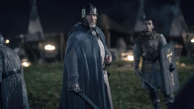 Shield is rectangular in The Last Kingdom Season 2 Episode 8 - TV Show Outfits and Products