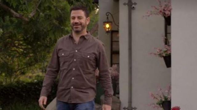 Shirt with two pockets outfit worn by Jimmy Kimmel in Ugly Delicious (S01E05)
