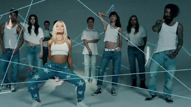 Shoes Converse black in the clip No Broken Heats Bebe Rexha ft. Nicki Minaj - Youtube Outfits and Products