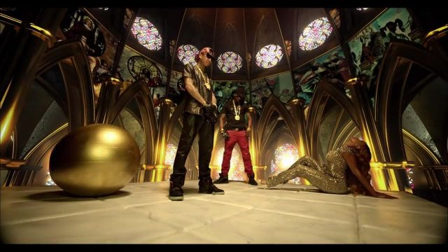 Shoes Nike Yeezy NRG 2 of Tyga in his clip, Do my dance feat. 2 Chainz - Youtube Outfits and Products
