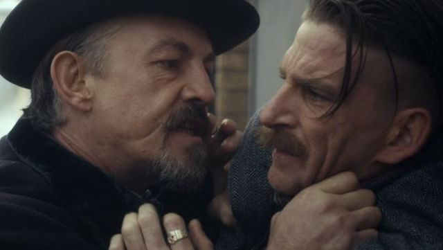 Fashion Trends 2021: Signet ring of Arthur Shelby (Paul Anderson) seen in Peaky Blinders Season 1 Episode 5