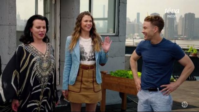 Fashion Trends 2021: Smythe Duchess Blazer outfit worn by Liza Miller (Sutton Foster) in Younger (S04E08)
