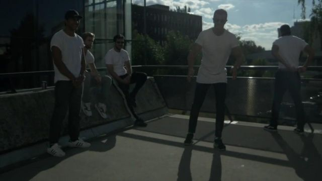 Sneakers Adidas Superstar white in the clip Nostalgia of Ash Kidd - Youtube Outfits and Products