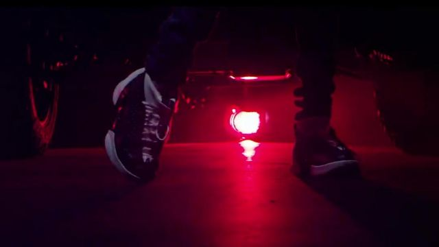 Sneakers Air Jordan 15 Obsidian in the clip, the Rolex Ayo & Teo - Youtube Outfits and Products