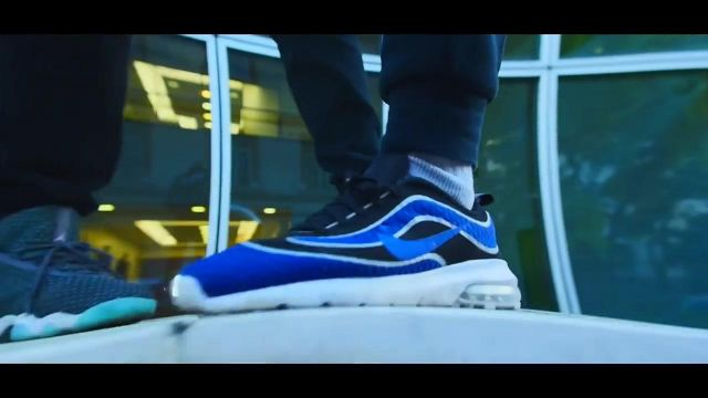 Sneakers Air Max Mercurial R9 CF black D in her video clip - Youtube Outfits and Products