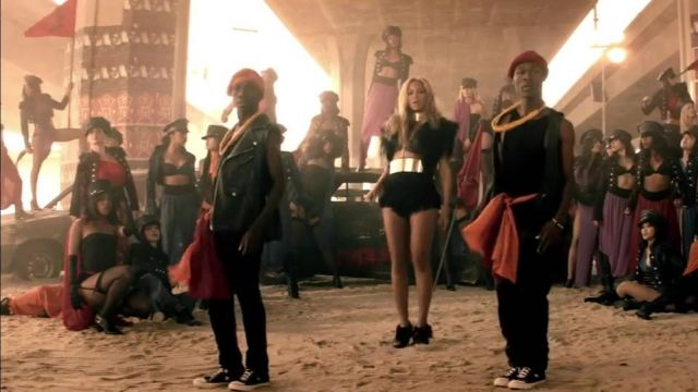 Sneakers Converse Chuck Taylor All Star Hi in the clip Run the world Beyonce - Youtube Outfits and Products