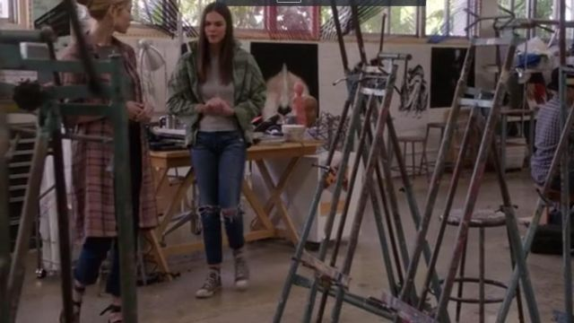 Fashion Trends 2021: Sneakers Converse high tops grey Callie Jacob (Maia Mitchell) on The Fosters Season 5 Episode 2