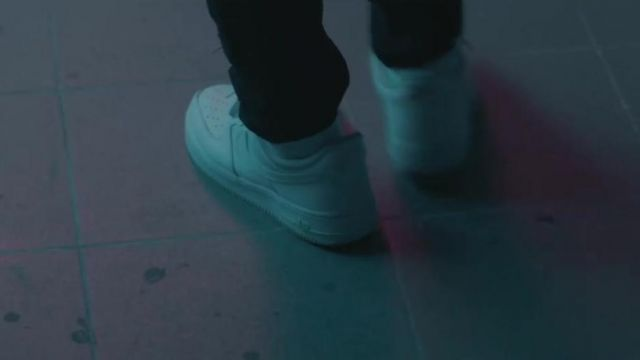 Sneakers Nike Air Force 1 Ash Kidd in her video clip Lolita - Youtube Outfits and Products