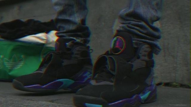 Sneakers Nike Air Jordan 8 Aqua GS Black D in her video clip Every Day - Youtube Outfits and Products