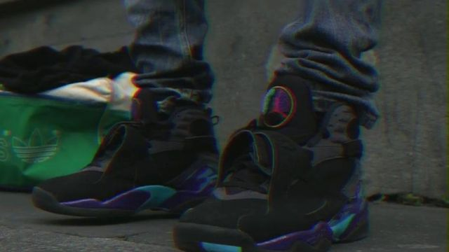 Sneakers Nike Air Jordan 8 aqua GS outfit worn by Black D in her video clip Every Day - Youtube Outfits and Products