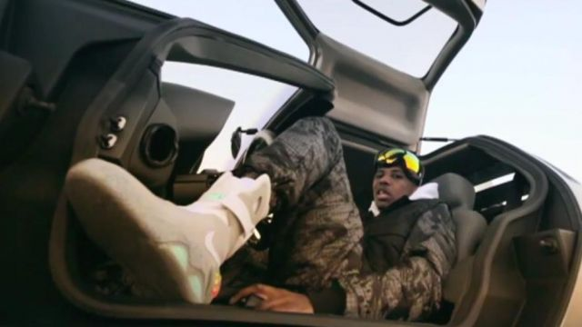 Sneakers Nike Air Mag Fabolous in his video clip You Made Me