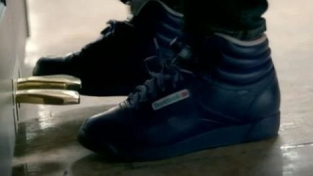 Sneakers, Reebok Freestyle hi black Alicia Keys in her video clip If I ain t got you - Youtube Outfits and Products