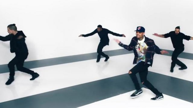 Sneakers Vans Sk8 Hi Chris Brown in her video clip Anyway - Youtube Outfits and Products
