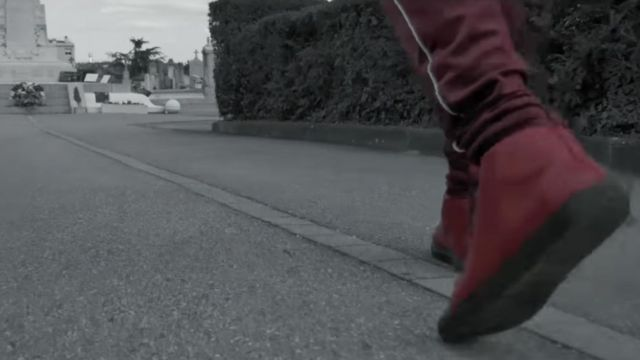 Sneakers red luxury Balenciaga of Bigben in his clip Lucifrère on Daymolition - Youtube Outfits and Products