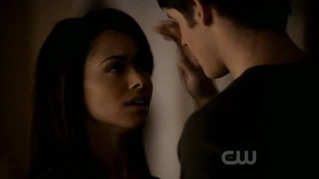 Fashion Trends 2021: Song Family Tree during the first kiss from Bonnie (Katerina Graham) and Jeremy (Steven R. McQueen) The Vampire Diaries Season 2E14