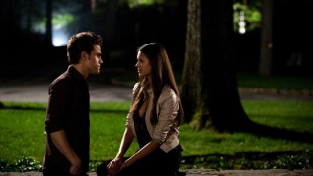 """Fashion Trends 2021: Song """"gravity"""" by Sara Bareilles during the first kiss-Elena (Nina Dobrev) and Stefan ( Paul Wesley) seen in The Vampire Diaries Season 1 Episode 2"""