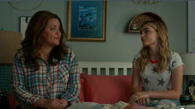 Splendid white star print cropped tee outfit worn by Taylor Otto (Meg Donnelly) in American Housewife Season 04 Episode 03 - TV Show Outfits and Products