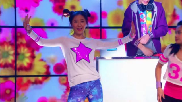 Star graphic top outfit worn by Sun Hi (Megan Lee) in Make It Pop (S01E04) - TV Show Outfits and Products