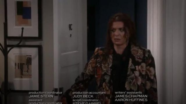 Fashion Trends 2021: Stella McCartney Floral Tapestry Long Coat outfit worn by Grace Adler (Debra Messing) in Will & Grace (S01E02)