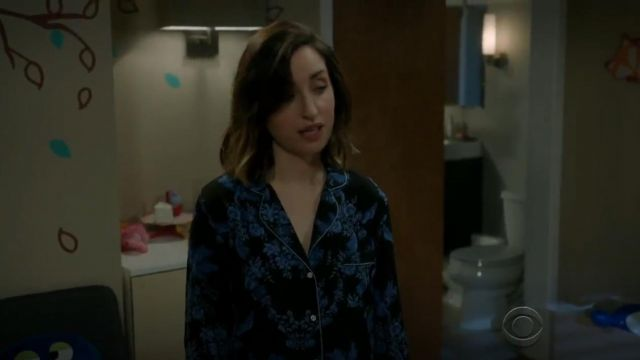 Fashion Trends 2021: Stella McCartney Poppy Snoozing PJ Set outfit worn by Jen (Zoe Lister-Jones) in Life in Pieces (S03E01)
