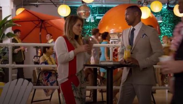 Fashion Trends 2021: Stella McCartney Ribbon Front Top outfit worn by Kelsey Peters (Hilary Duff) in Younger (S05E02)