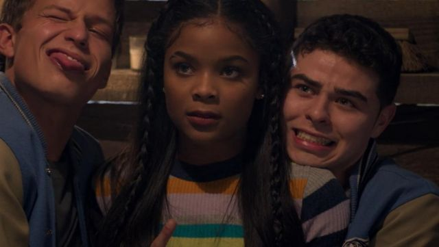 Striped sweater Silence + Noise Sheri Holland (Ajiona Alexus) seen in 13 Reasons Why Season 2E10 - TV Show Outfits and Products