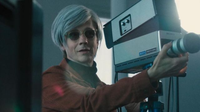 Sunglasses Moscot of Andy Warhol (John Cameron Mitchell) seen in Vinyl Season 1 Episode 3 - TV Show Outfits and Products
