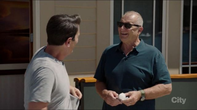"Sunglasses Ray-Ban Wayfarer Jay Pritchett (Ed O'neill) seen in "" Modern Family Season 9 Episode 1 - TV Show Outfits and Products"