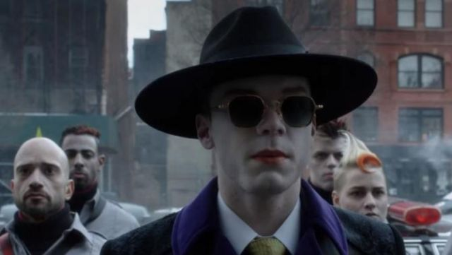 Sunglasses Ray Ban of Jeremiah Valeska (Cameron Monaghan) seen in Gotham Season 4E21 - TV Show Outfits and Products
