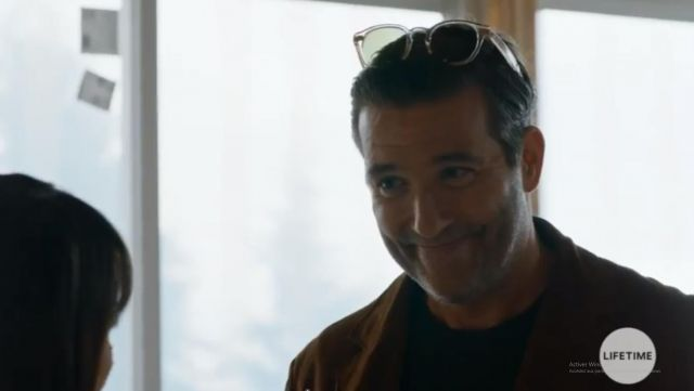Sunglasses Ray Ban transparent Chet Wilton (Craig Bierko) seen in UnReal Season 3 Episode 8 - TV Show Outfits and Products