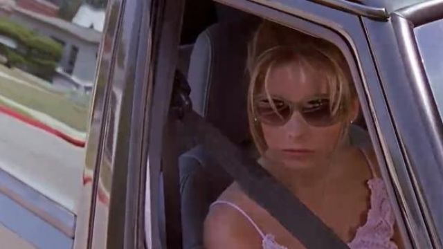 "Sunglasses from Buffy the vampire slayer ""Sarah michelle Gellar"" in episode 1 of season 2 - TV Show Outfits and Products"
