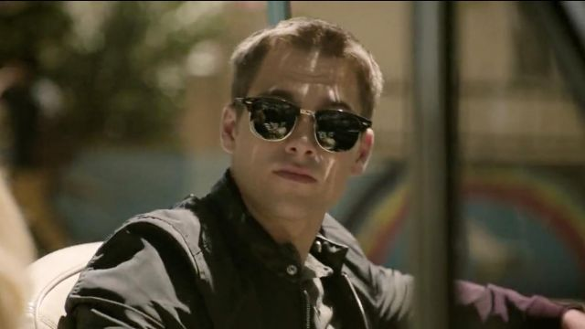 Sunglasses from Henry Richmond (Dylan Sprayberry) seen in Light as a Feather (Season 1 Episode 1)
