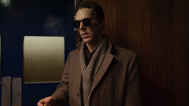 Sunglasses havana of Patrick Melrose (Benedict Cumberbatch) seen in Patrick Melrose season 1 - TV Show Outfits and Products