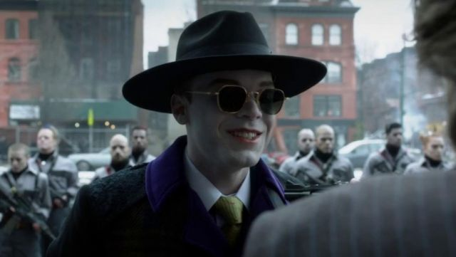 Sunglasses of Jeremiah Valeska (Cameron Monaghan) seen in Gotham Season 4E21 - TV Show Outfits and Products