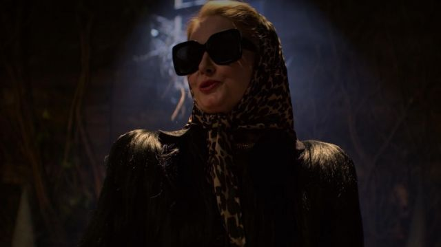 Sunglasses oversize outfit worn by Zelda Spellman (Miranda Otto) seen in The New Adventures of Sabrina (Season 1 Episode 3)