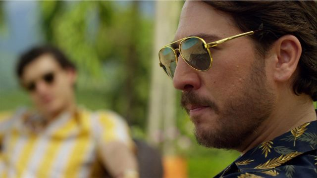 Sunglasses vintage Pacho Herrera (Alberto Ammann) seen in Narcos - TV Show Outfits and Products