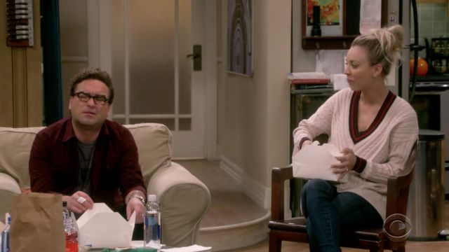 Sweater beige Joy of Penny (Kaley Cuoco) seen in The Big Bang Theory S12 Episode 4 - TV Show Outfits and Products